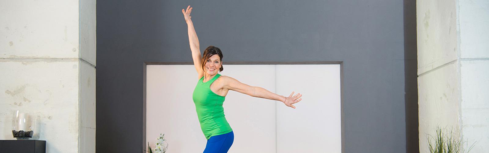 Pilates für den Beckenboden mit Christiane Wolff - Luftsprung im Yoga-Flow
