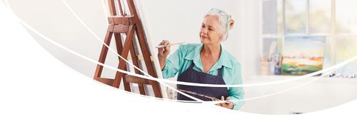 Vrouw die schildert
