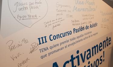 Firmas y dedicatorias en el evento Pasión de Asistir 2017